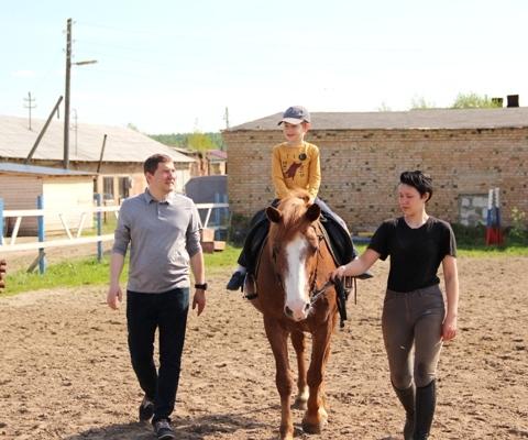 Катание на лошадях в КСК