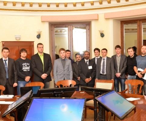 Участники круглого стола в ООО «НИПИ нефти и газа УГТУ»